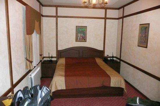 Bahus Hotel