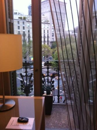 Hotel Actual: вид на passage gracia