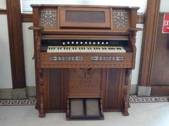 Brenham Heritage Museum: Musical Exhibit
