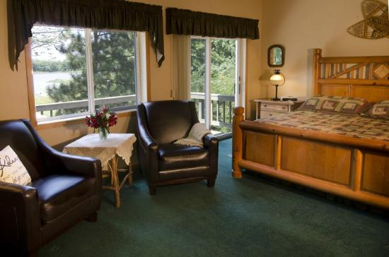Canyon Road Inn Bed & Breakfast: North Woods Suite