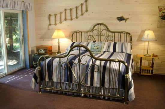 Canyon Road Inn Bed & Breakfast: Lakes Suite