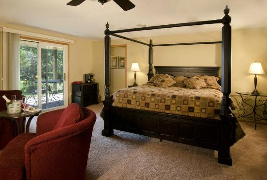 Canyon Road Inn Bed & Breakfast: Haven Suite