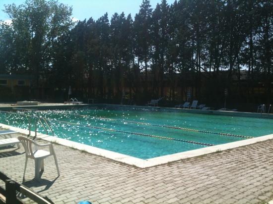 Trevi, Italy: piscina