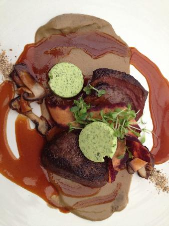 Makaron: Pan seared springbok, porcini puree, sauteed pine rings, gremolata butter