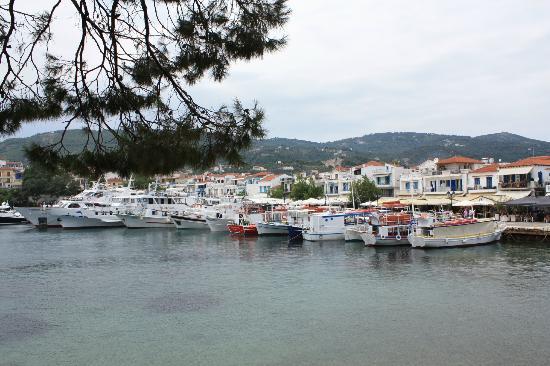 Kanapitsa Mare Hotel & Spa: Old Harbour, Skiathos Town