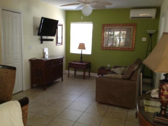 Tropical Beach Resorts : living area