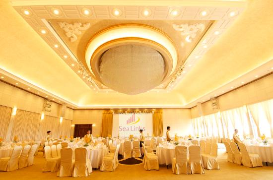 Sea Links Beach Hotel: Grand Ballroom