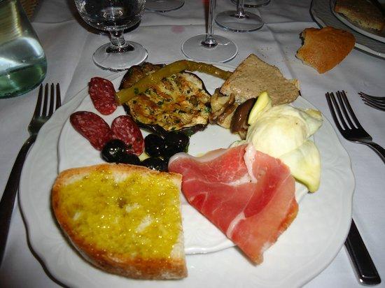 Magliano in Toscana, Italy: antipasto estivo
