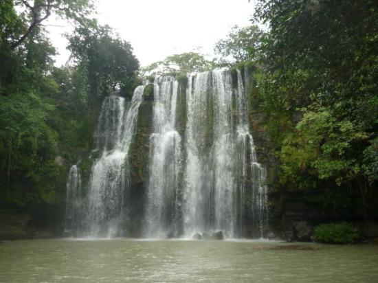 Costa Rica Best Trips: beautiful waterfall