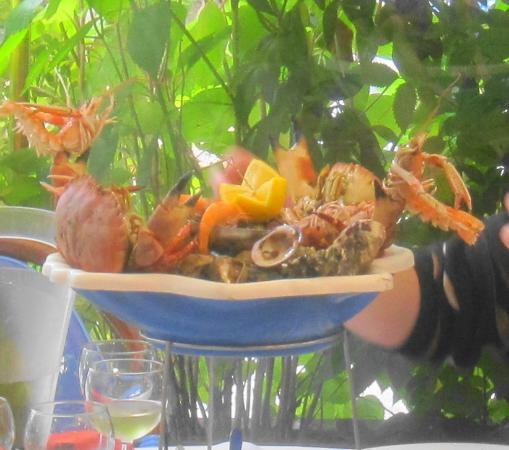 Les Cascades: piatto reale con frutti di mare