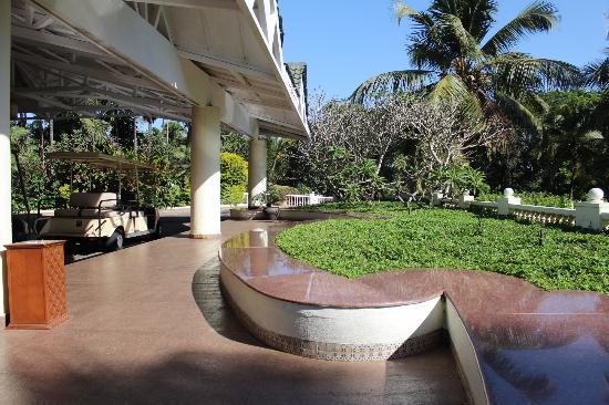 Taj Exotica Goa: Lush gardens