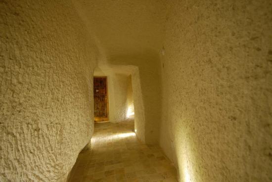 Arif Cave Hotel : Cave Coridor..