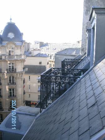 Timhotel Palais Royal Louvre: nuestro balcón