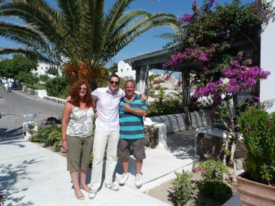 "Santorini Kastelli Resort: The ""main man"" Antonis (centre). What a star !"