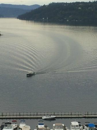 The Coeur d'Alene Resort: Boat returning to hotel