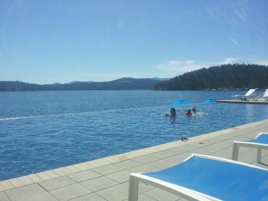 The Coeur d'Alene Resort: Infinity pool