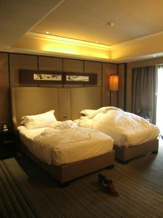 Mels Weldon Dongguan Humen: the double bed i stayed in