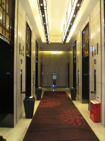 Mels Weldon Dongguan Humen: The lifts to the rooms