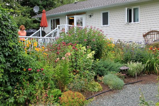 Arbor Bed and Breakfast: Garten