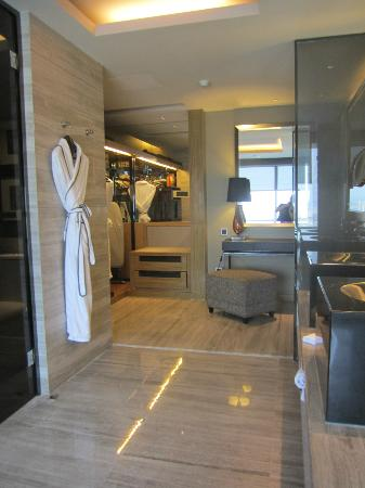 Mels Weldon Dongguan Humen: spacious bath room area