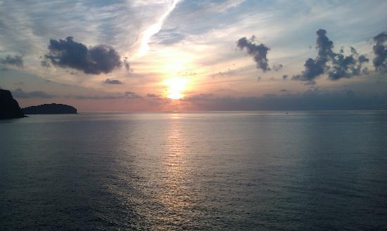 Club Cala Azul: L'alba dall'estremità nord (ore 7.38)