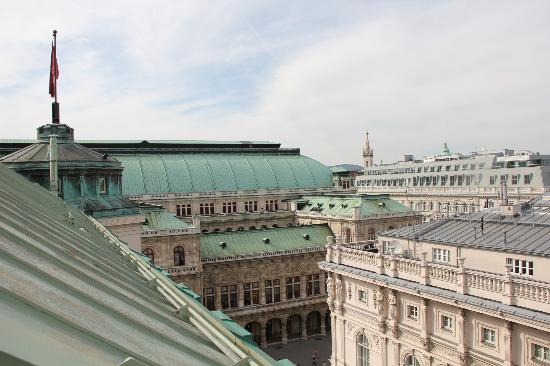 Hotel Bristol Vienna: View of Opera from the terrace