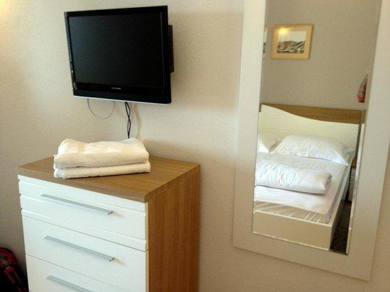 Hotel Fortuna : room