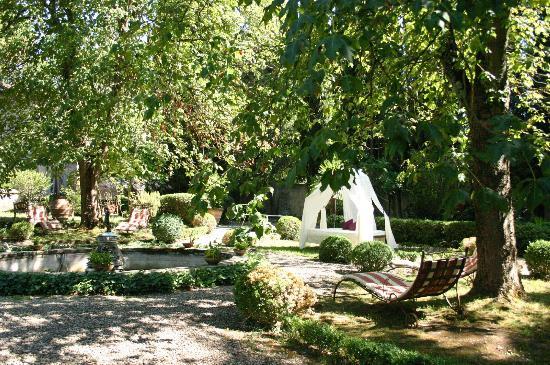 Agriturismo La Striscia: garden