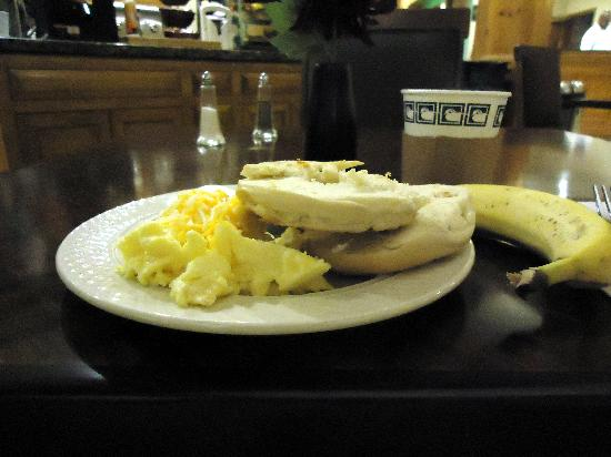 Homewood Suites by Hilton Atlanta - Cumberland / Galleria: Free Breakfast is a nice way to start the day