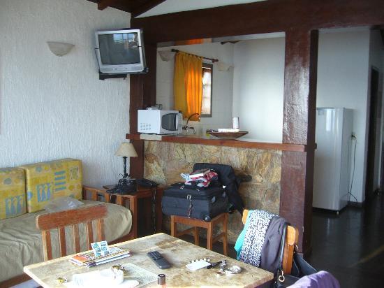 La Boheme Hotel e Apart Hotel: living comedor y cocina super completos