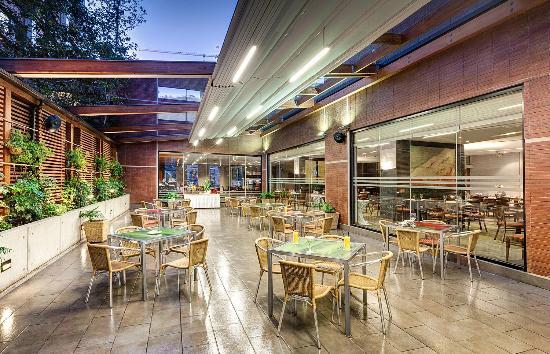 Atton Hotel El Bosque: Terraza Restaurant Mediterráneo