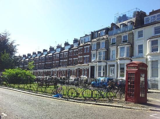 بريمروز جست هاوس: Primrose Guesthouse | 34 Primrose Gardens, London NW3 4TN, England 
