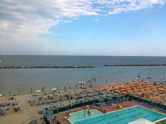 Even guests were rude review of hotel asiago beach lido - Bagno cavallino lido di savio ...