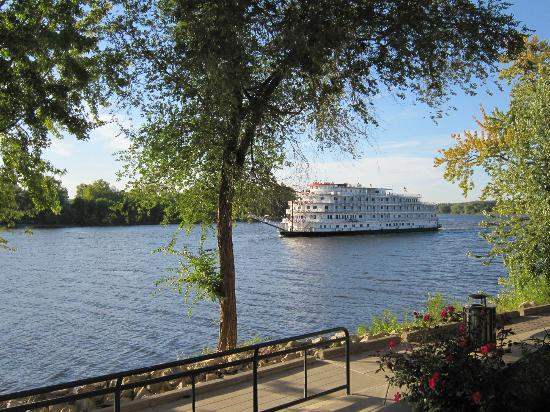 Waterfront Restaurant and Tavern: Paddleboat on the Mississippi from Waterfront Tavern - LaCrosse, WI