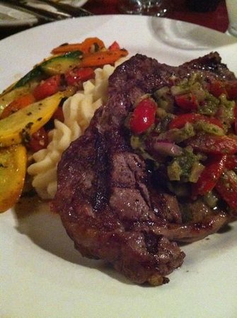 The Boardwalk Restaurant and Lounge: rib eye