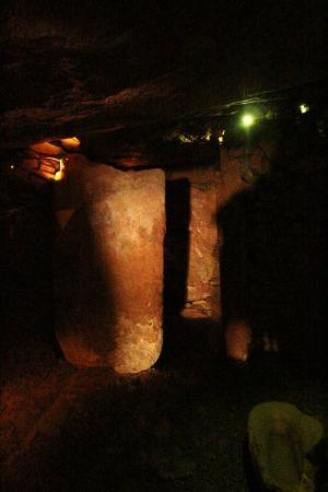 La Hougue Bie: inside the burial ground