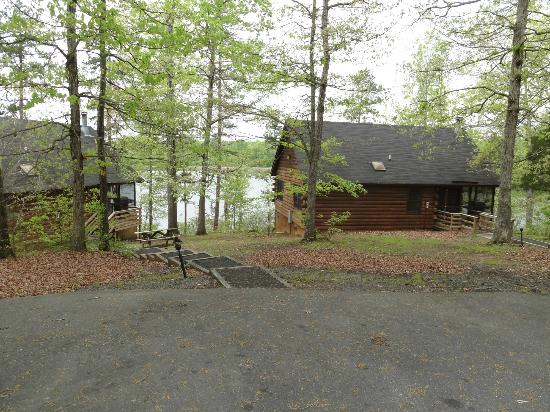 Shenandoah Crossing: Cabins in the woods