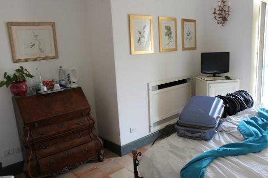 Palazzo Belmonte: arredamento della stanza