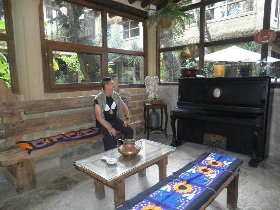 Hacienda Don Juan Hotel: SALON