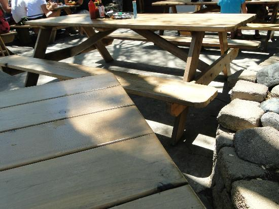 We Three Bakery & Restaurant : Picnic type seating outside