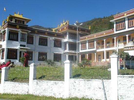 Hotel Siphiyang Phong: Beautiful Bomdilla Monastry