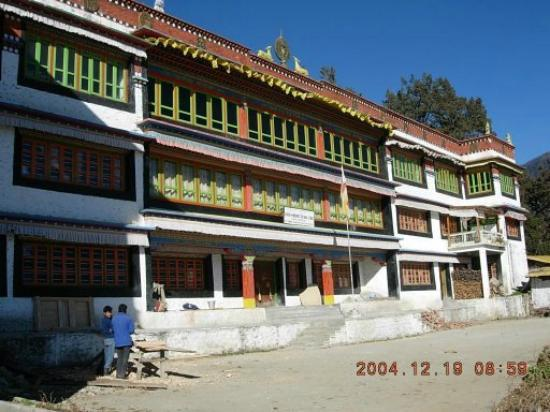 Hotel Siphiyang Phong: The Monastry