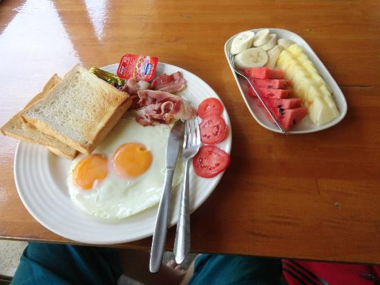 Thong Yang Bungalows : Breakfast