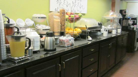 Sleep Inn & Suites Lakeside: Great breakfast choices