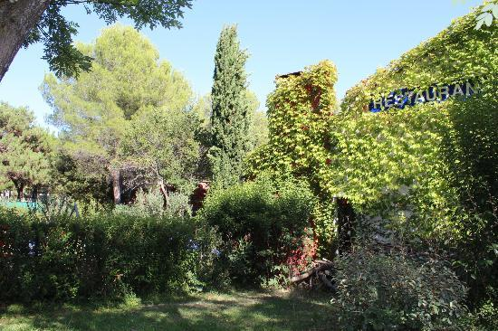 Ibis Styles Aix-en-Provence : le jardin