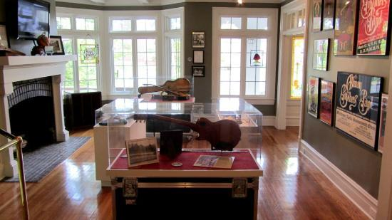 The Allman Brothers Band Museum at the Big House: Nice items