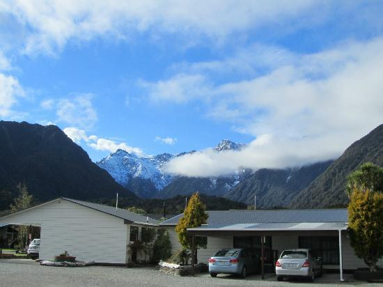 Early morning view from Lake Matheson Motel