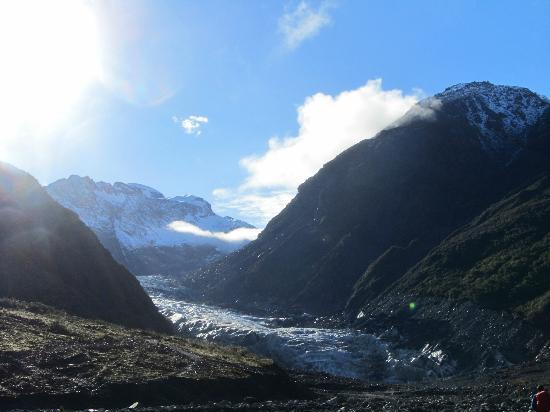 ‪ليك ماثيسون موتل: Start of Fox Glacier early morning