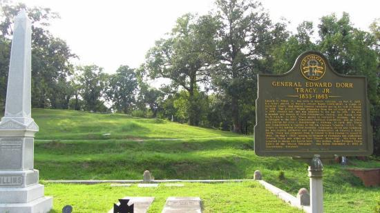 Rose Hill Cemetery: Historic