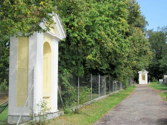 Church of Our Lady of Sorrows: Via Dolorosa (calvary)